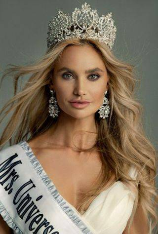 Mrs Universe 1st runner up